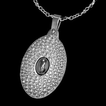 STAINLESS STEEL OVAL PITTED EYE NECKLACE