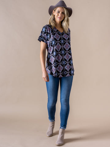 Agnes & Dora™ Love Top Black Medallion