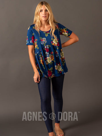 Agnes & Dora™ Muse Top Navy/Gold Floral