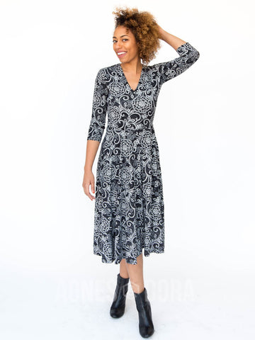 Agnes & Dora™ Essential Midi Dress B&W Floral