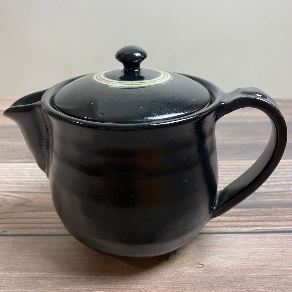 Black Oribe Tea Pot - KOKO utsuwa