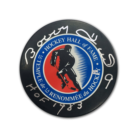 BOBBY HULL AUTOGRAPHED HOCKEY HALL OF FAME PUCK - HOCKEY HALL OF FAME