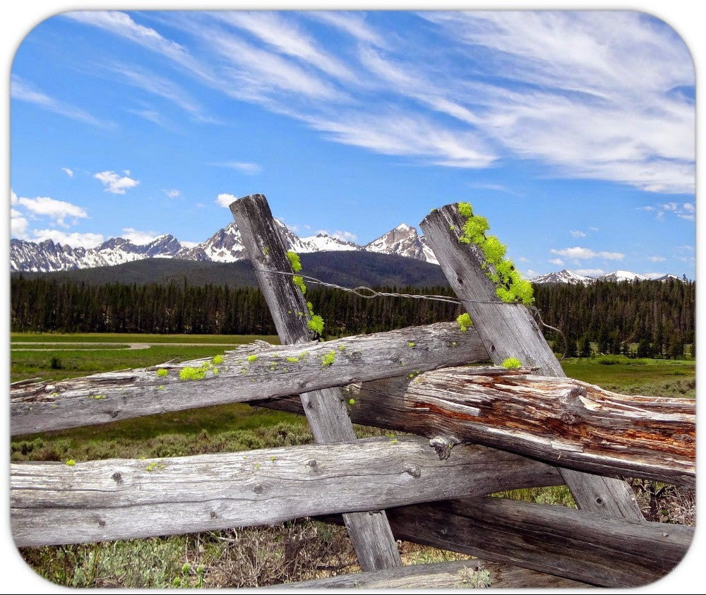 Mousepad Sawtooth Mountains & wooden fence.