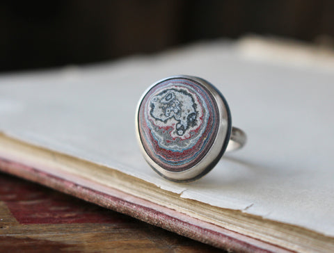 Fordite Circle Ring (Size 7.5) - Artisan's Bench