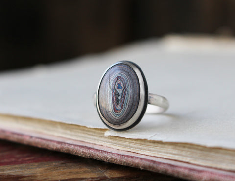 Fordite Oval Ring (Size 8) - Artisan's Bench