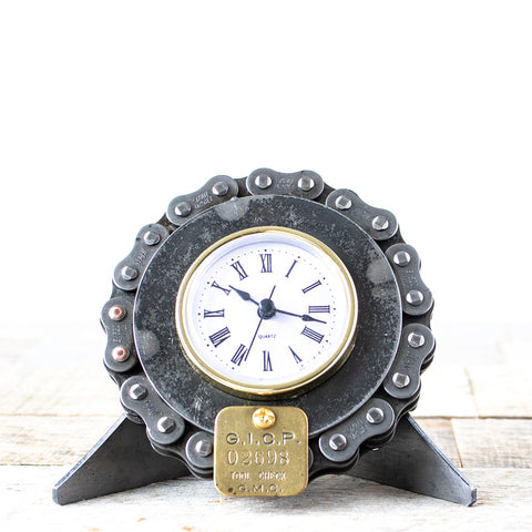 GM Chain & Plaque Desk Clock