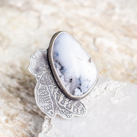 Size 8 | Dendritic Opal with Feathers