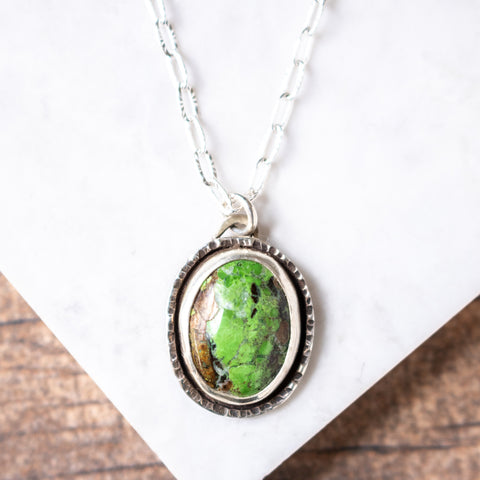 Gaspeite Oval Necklace