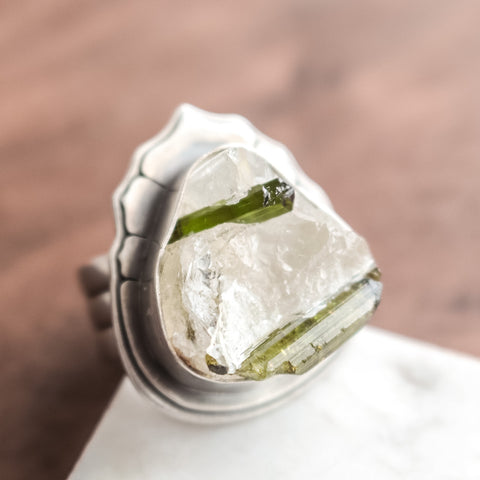 Size 7.5 | Raw Green Tourmaline in Quartz Ring