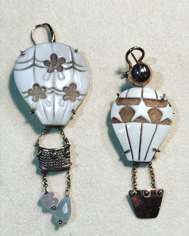 "Pendant Earrings with Cameo "" Air Baloon """