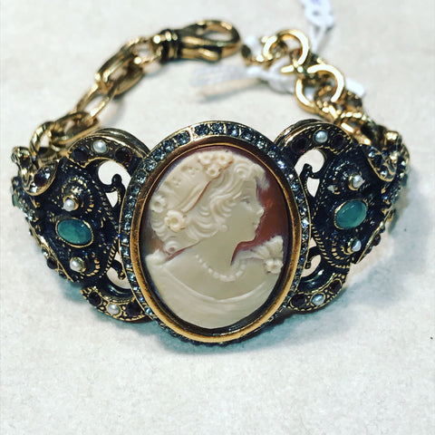 Bracelet with Big Cameo and Quartz ref. B4428C