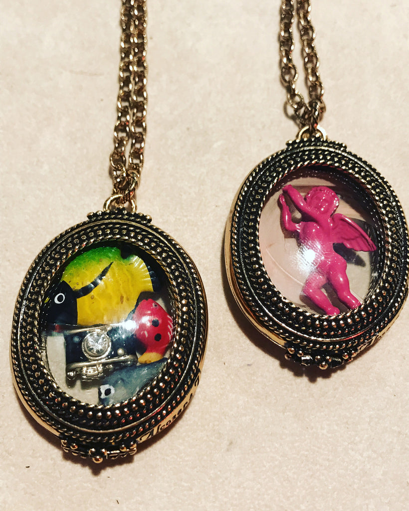 "Pendants with ""Angels"" and "" Fishes "" ref. C68IN16"
