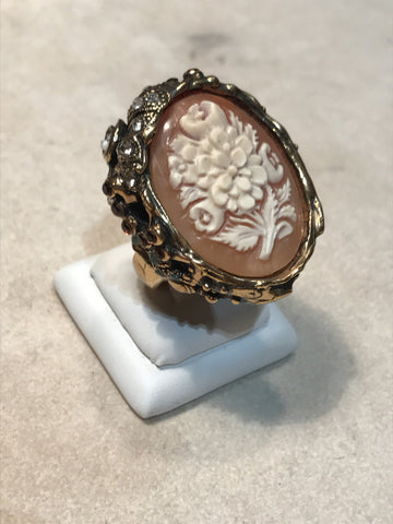 "Ring with Cameo "" Big Shell """