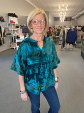 Load image into Gallery viewer, Teal Popover Bordered Velvet Top