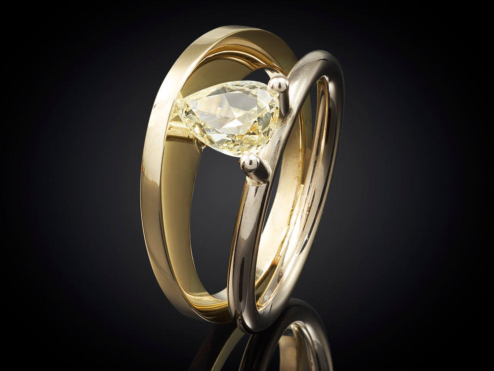 Zonsopgang | 18 karaat bi-color gouden ring met 1,31crt natural yellow diamant