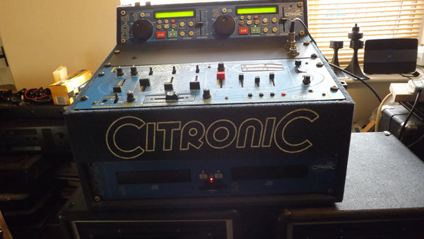 Citronic Pro Audio Cd-2 Dual Cd Player + AM7 mixer in flight case