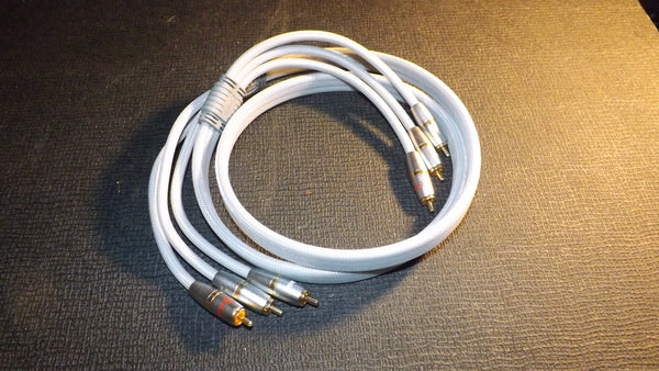 High quality rca phono to phono cable 1.5 Metre long OFC Gold plated contacts