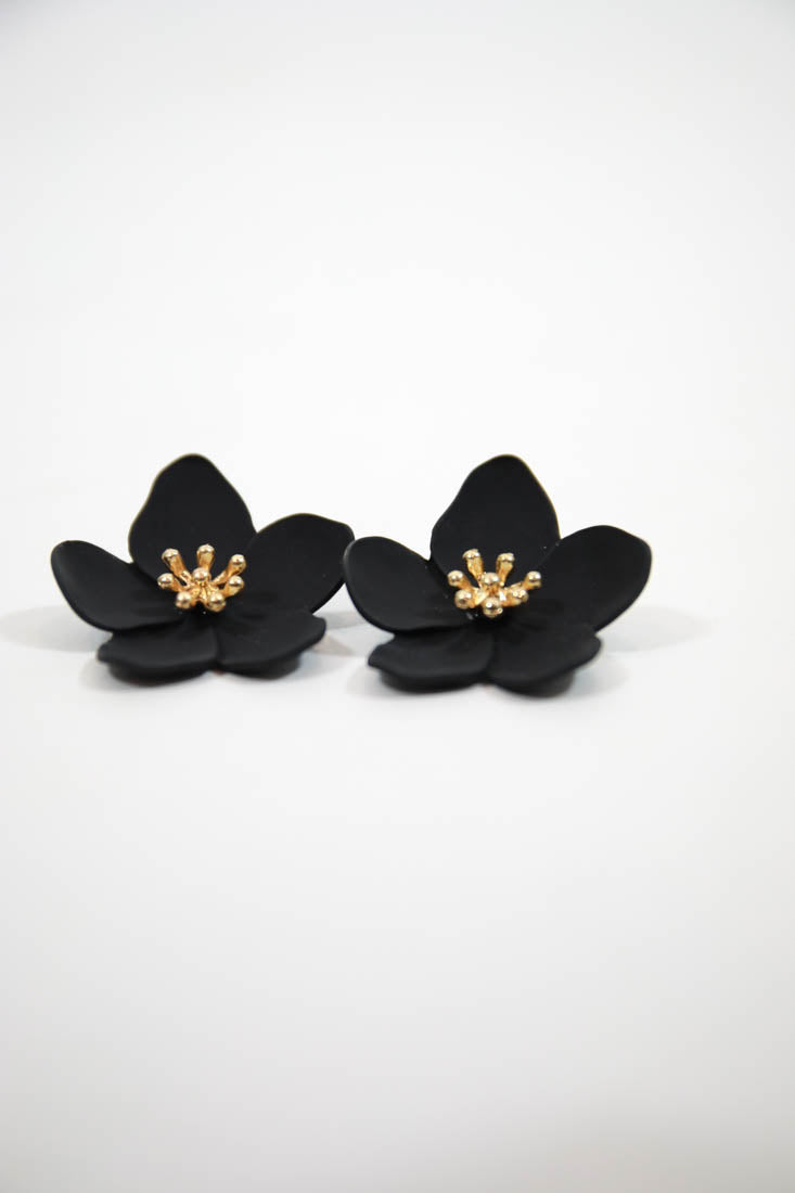 HOLLY EARRINGS - BLACK