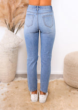 Load image into Gallery viewer, KATE MOM JEANS