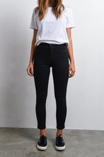 Load image into Gallery viewer, HADLEY HI-RISE JEAN - BLACK