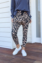 Load image into Gallery viewer, MILLA JOGGER - TAN LEOPARD (PRE-ORDER)