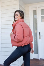 Load image into Gallery viewer, TOPHER PUFFER JACKET- AUBURN