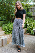 Load image into Gallery viewer, JUDE SKIRT - LEOPARD