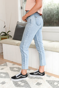 SIERRA MOM JEAN - LIGHT BLUE