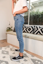 Load image into Gallery viewer, SIERRA MOM JEAN - DENIM