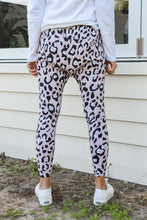 Load image into Gallery viewer, MILLA JOGGER - PINK LEOPARD