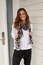 Load image into Gallery viewer, FOX SCARF - LEOPARD