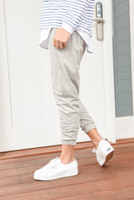 Load image into Gallery viewer, AYBREY JOGGER - GREY MARLE