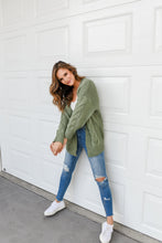 Load image into Gallery viewer, TWISTED CARDI - GREEN