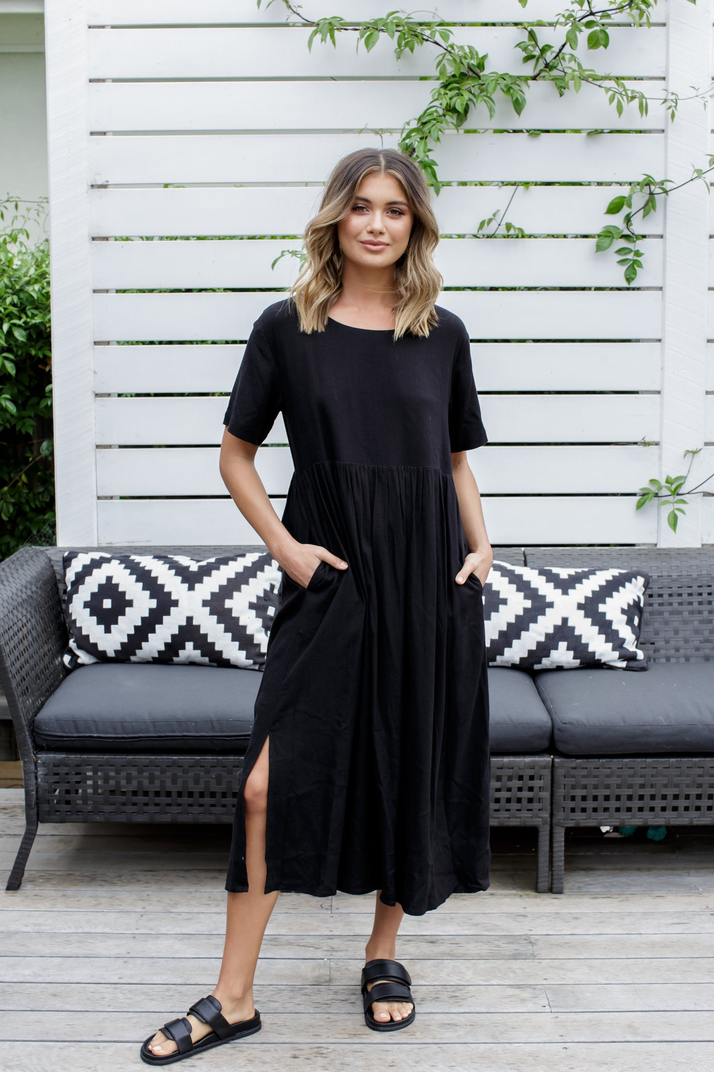 CROSS MAXI DRESS - BLACK