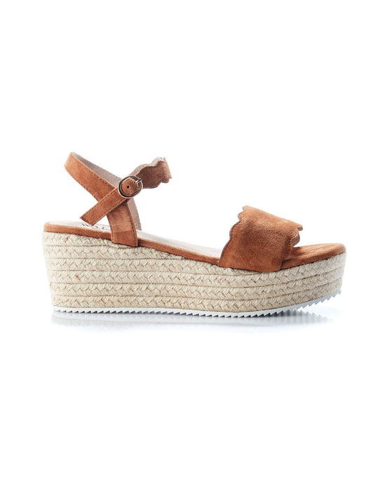 CHYKA SCOLLOP WEDGE - TAN