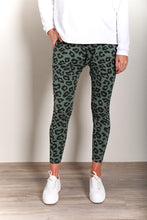 Load image into Gallery viewer, MILLA JOGGER - KHAKI LEOPARD