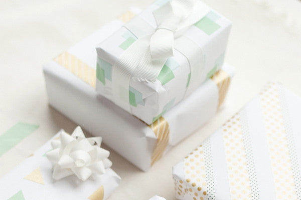 DIY Christmas Washi Tape Gift Wrap