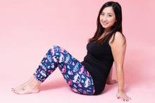 Load image into Gallery viewer, Pink Car Women's Activewear Leggings Capri