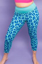 Load image into Gallery viewer, Teal & Navy Leopard Capri Women's Activewear Leggings