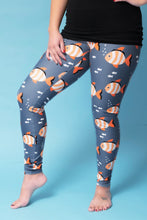 Load image into Gallery viewer, Bubbles the Clownfish Women's Activewear Leggings Regular Length