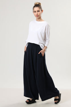 Megan Pants Navy - layou-design