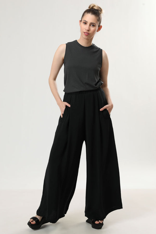 Megan Pants Black - layou-design