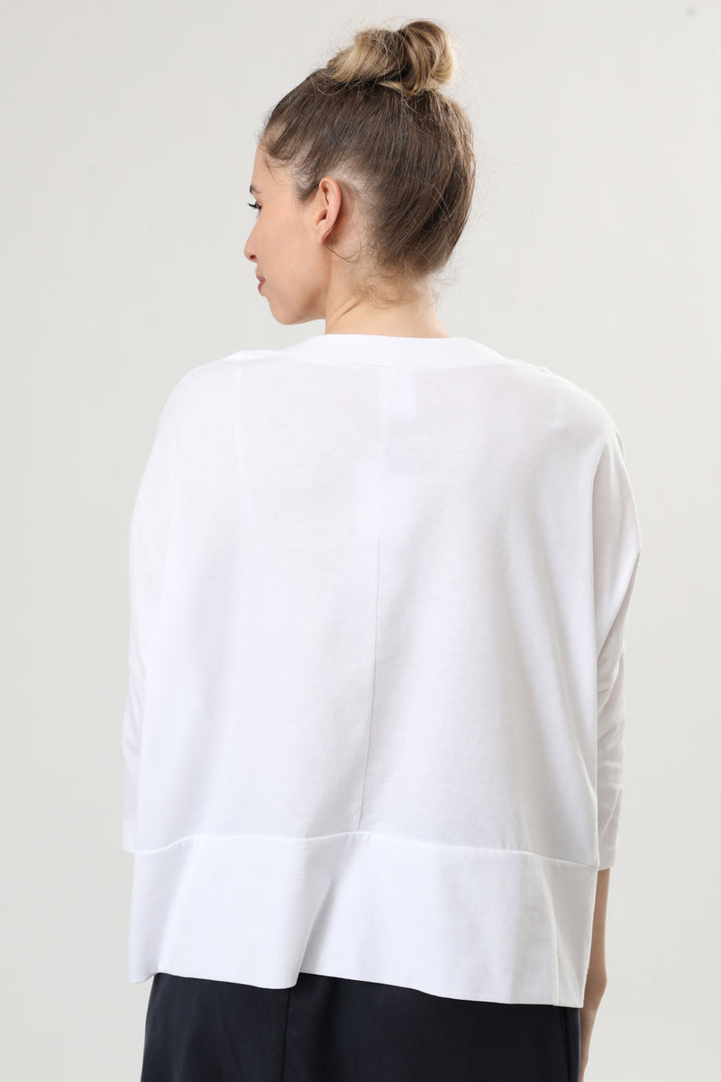 Overlap T White - layou-design