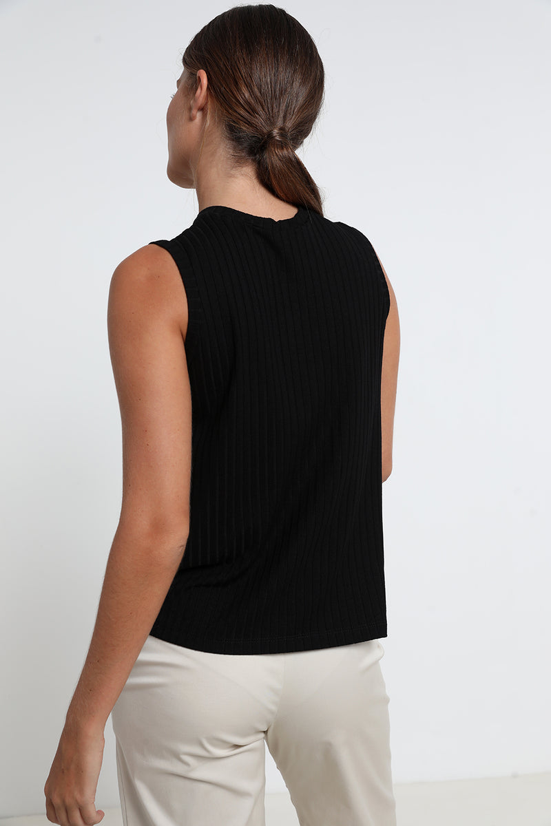 T.J Tank Top Black - layou-design