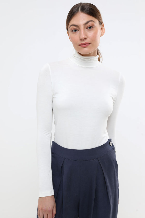 Basic turtleneck cream