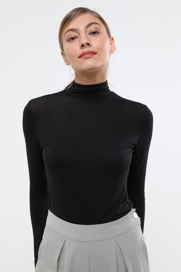Basic turtleneck black