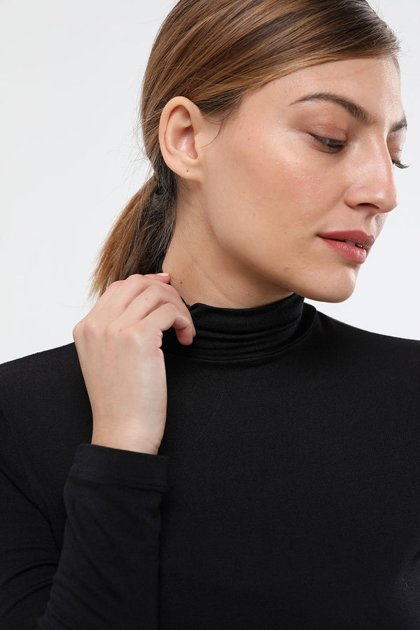 Basic turtleneck black - layou-design