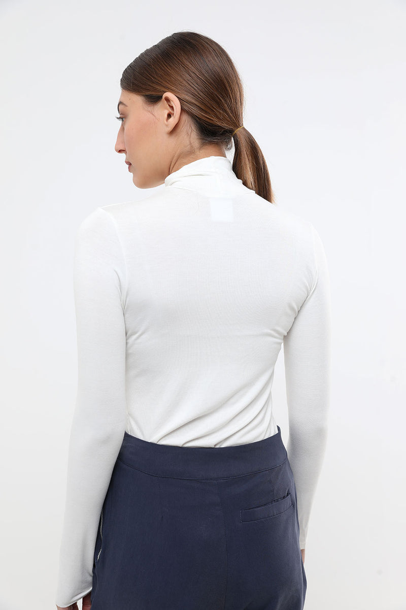Basic turtleneck cream - layou-design