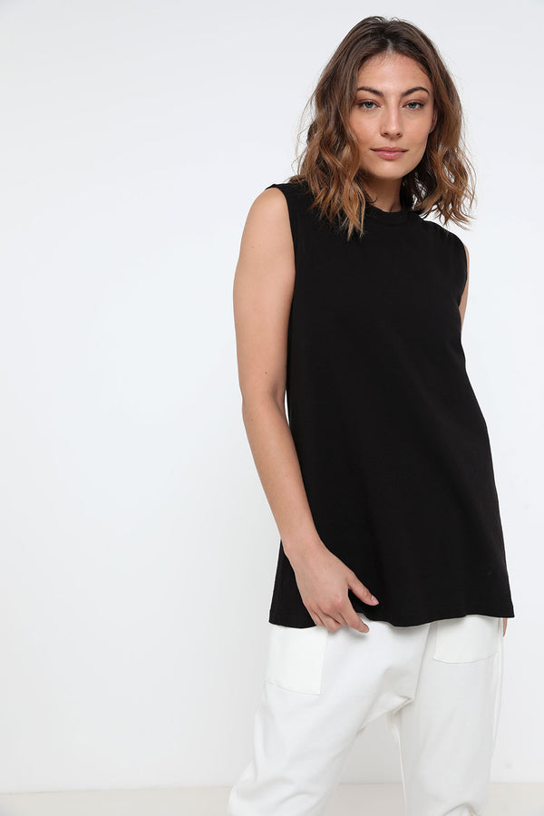 Kinzi Tank Top Black - layou-design