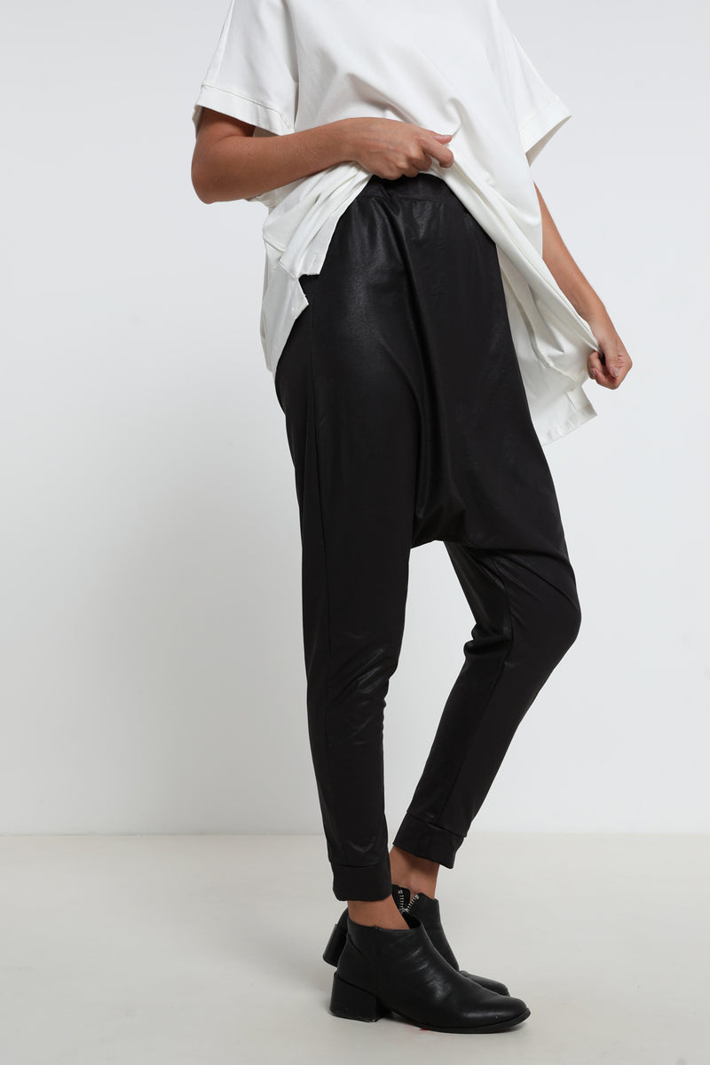 Juliet pants Black leatherette - Layou Design by Shay Sobol
